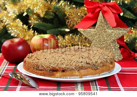 Christmas Apple Streusel Cake