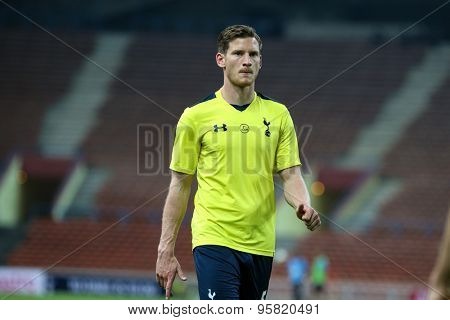 May 27, 2015 - Shah Alam, Malaysia: Tottenham Hotspur's Jan Vertonghen jogs to warm up on the pitch before a friendly match in Malaysia. Tottenham Hotspur is on a Asia-Australia tour.