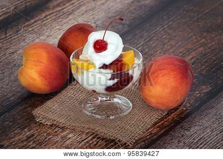 Vanilla Peach Melba Ice Cream With Peach Fruits