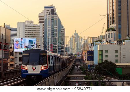 sky train view from Asok station Sukhumvit line