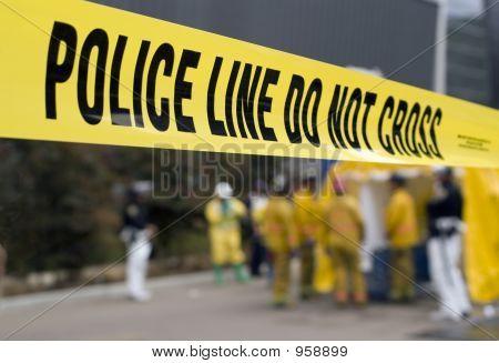 Policial linha-Hazmat