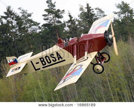 Plano histórico Avia BH 5 en aeropuerto Plasy - República Checa Europa
