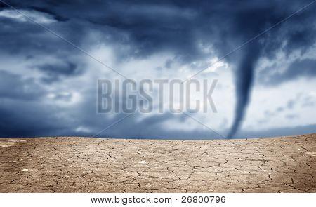 Uma imagem de fundo do solo seco e tornado