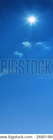 ein Hintergrundbild des bewölkten Himmel blau
