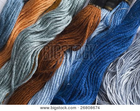 blue and brown yarns