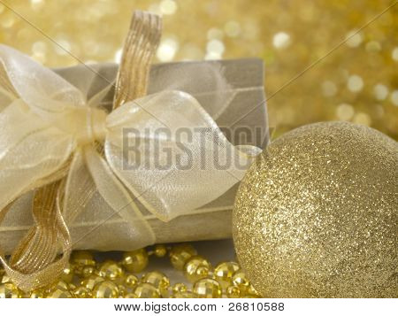 Christmas's decoration, decorative ball in the golden arrangement