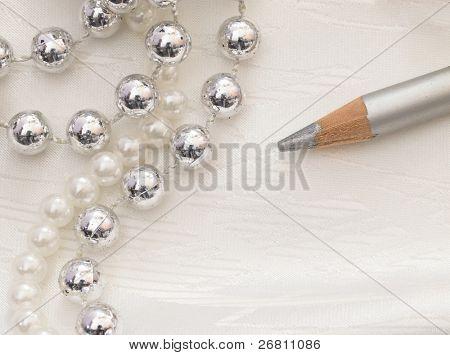 silver eyeliner
