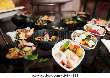 Snacks auf Bankett Tisch Aufnahme während Gastronomie Ereignis