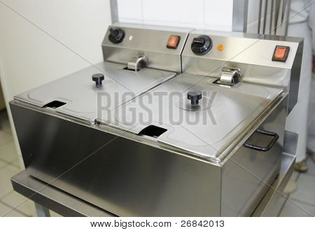 Clean deep fryer