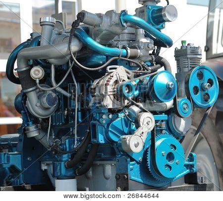 El nuevo motor grande en una vitrina
