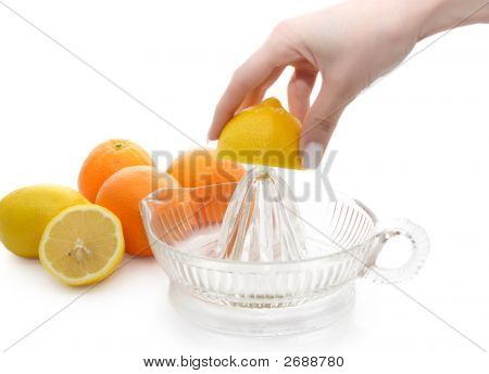 Extracting Lemon Uice
