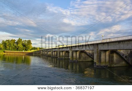 Bridge, Sluice