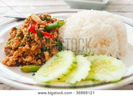 Thai Food (Krapao Gai)