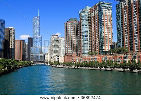 Beautiful Chicago River