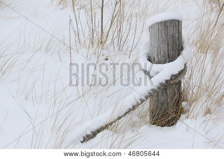 Post And Rope In Winter
