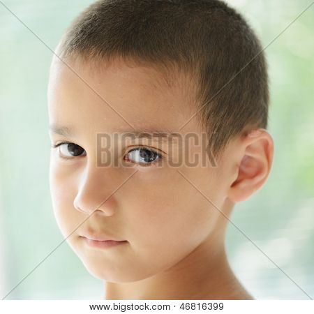 Kid having trouble with skin peeling