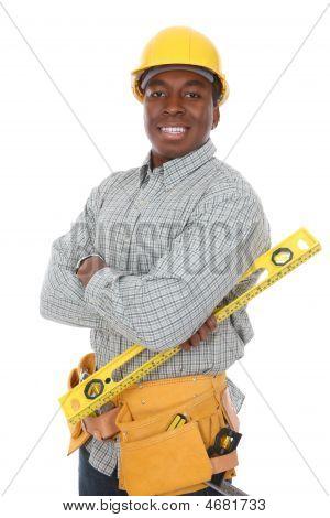 Hombre afroamericano de construcción
