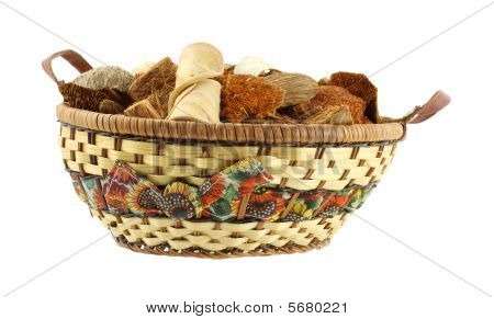 Citrus potpourri in wicker basket