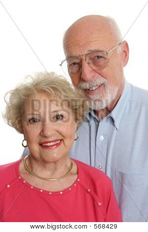 Altes Paar zusammen vertikal