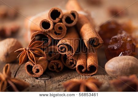 spices cinnamon anise nutmeg rock sugar