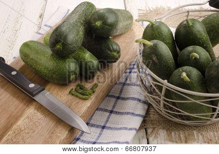 Prepare Pickled Gherkin To Preserve Them