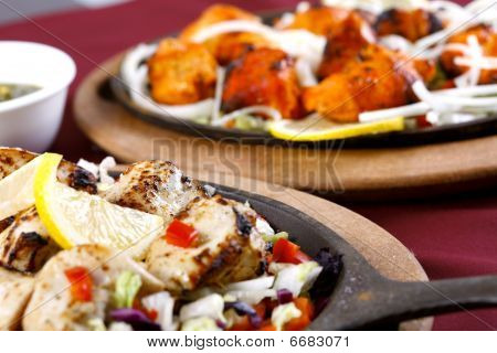chicken and paneer tikka combo