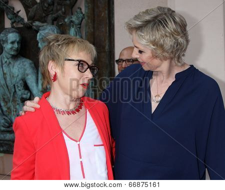 LOS ANGELES - JUN 9:  Cathy Kalmenson, Jane Lynch at the