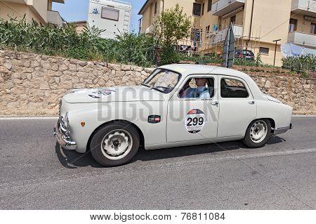Alfa Romeo 1900 Ti Berlina (1954) In Mille Miglia 2014