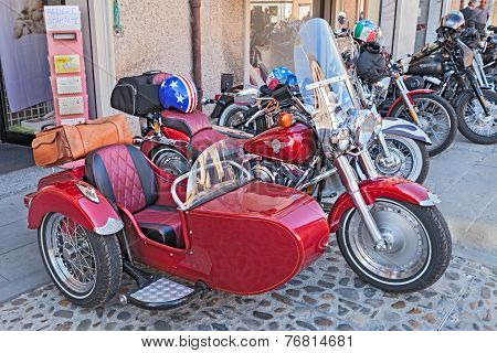 Red Sidecar Harley Davidson
