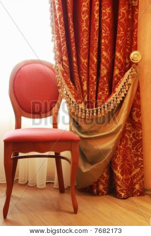 Silla antigua elegancia