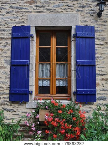 Pretty Window Rochefort-en-terre, France.