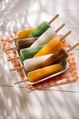 pic of popsicle  - Cool off in summer with a break at the base of the fruit popsicles  - JPG