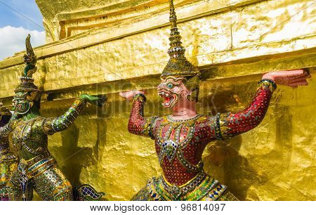 Demon guardians supporting Wat Arun Temple, Bangkok, Thailand