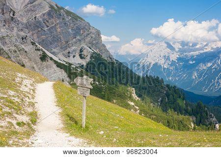Monte Cristallo Massif - Tourist Path