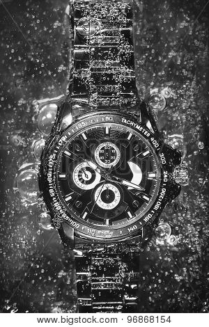 Watch in soda (black and white)
