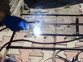 image of welding  - welder do the welding work - JPG