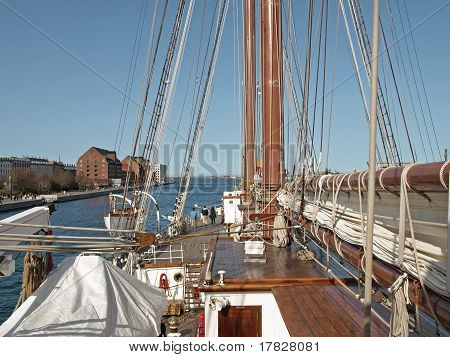 Spanish Navy Ship - Sebastian De Elcano