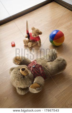 Ursinhos de brinquedo em uma cena de assassinato