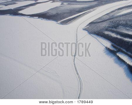 Extensión de carretera de hielo aérea Delta de Mackenzie