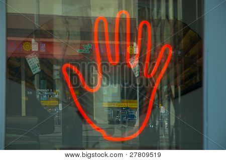 sinal de néon de caixeiros de fortuna
