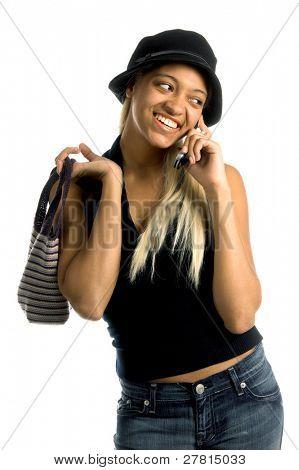 sexy Afroamerikanerfrau mit langen blonden Haaren und einem Honig Teint in eine Freizeitmode mit einem c