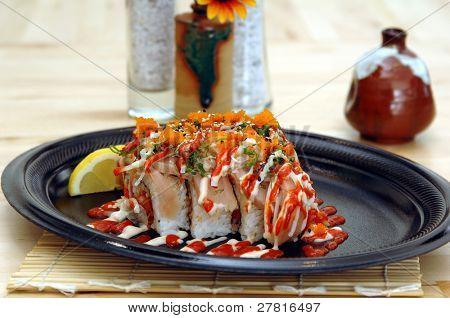 Kombinationsfeld Teriyaki Platte mit Rind- und Hühnerfleisch Teriyaki, Ingwer Asiaten Soja Salat, gedünsteter Reis und orange