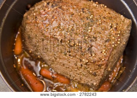 Beef Pot Roast With Baby Carrots