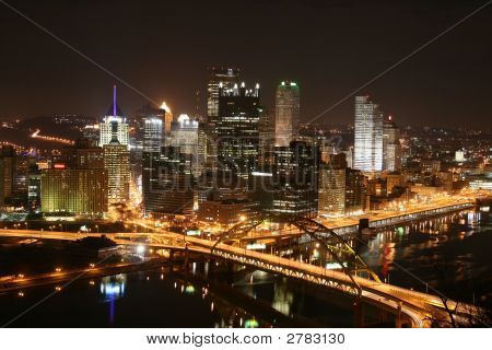 Skyline de Pittsburgh na noite