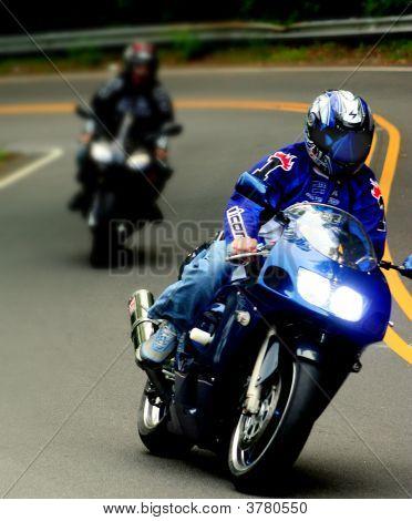 Racing Bikes Motorrad auf Road in der Nähe