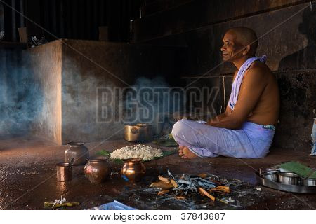 Hindu Man Ritual Blessing Offering For Deceased