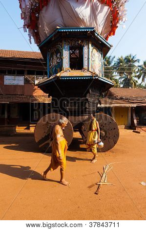 Small Ratha Chariot Brahmin Walking