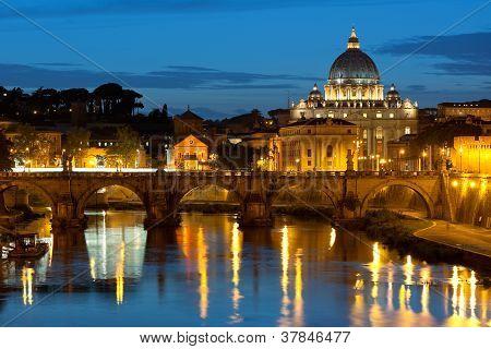 Vaticano en la noche