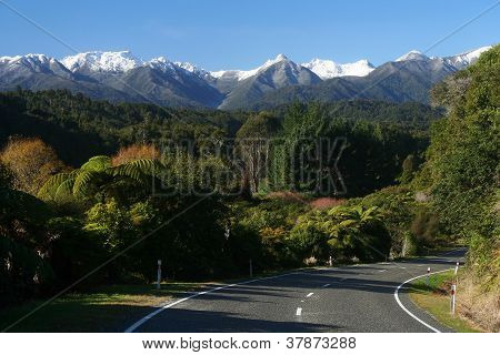 Road through New Zealand Alps