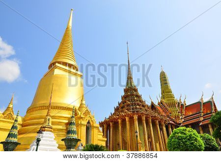 The Emeral temple or Wat Phra Keaw , a famous Thai temple , Bangkok , Thailand.